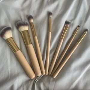 3 for $30 BH Cosmetics Brush Set 7 brushes